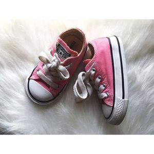 4c Pink converse